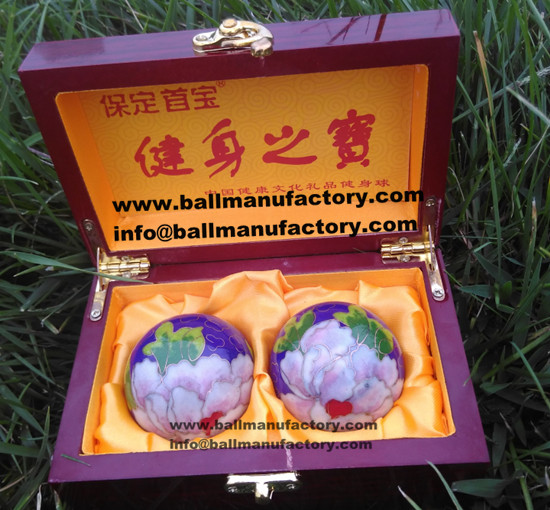 sell 50mm Chinese hand ball for mother gift